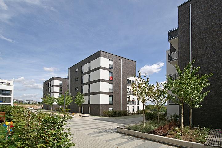 Mehrfamilienhäuser auf Tiefgarage, Altenhöfer Allee, Konrad-Zuse-Straße, Frankfurt am Main